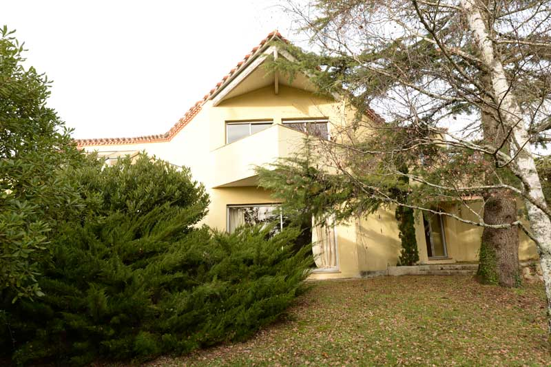 Smart contemorary home in acre gardens, Tarn et Garonne for sale for 363,000€ in , Midi-Pyrenees