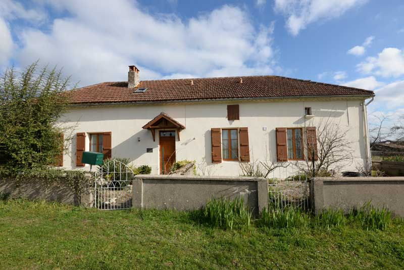 Spacious stone house with garden nr Bourg de Visa, tarn et Garonne for sale for 149,000€ in Tarn-et-Garonne, Midi-Pyrenees