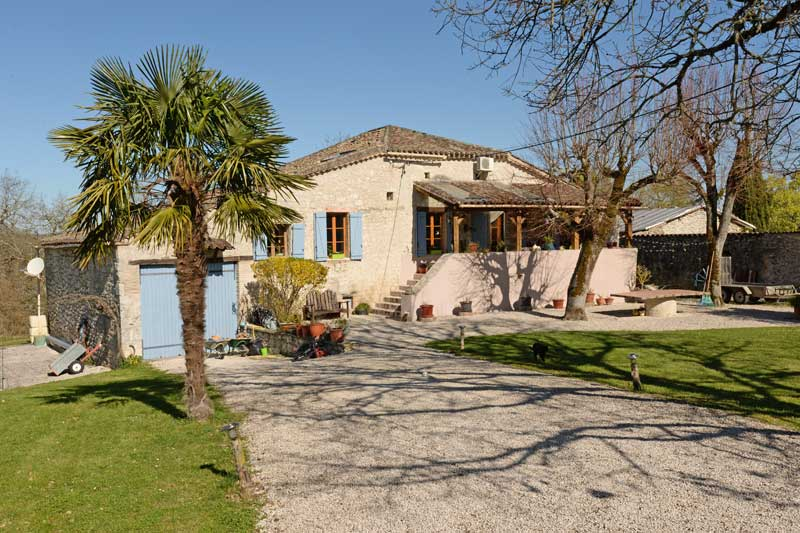 Quercy stone farmhouse in 2 acres with heated swimming pool, Bourg de Visa, Tarn et Garonne for sale for 332,000€ in Tarn-et-Garonne, Midi-Pyrenees