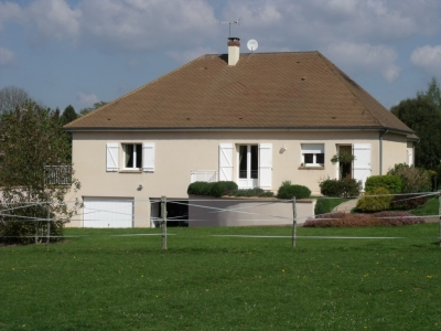 cj 577 Beautifully Maintained to the highest standard, Equestrian Property, lovely open views for sale for 453,000€ in Orne, Normandy