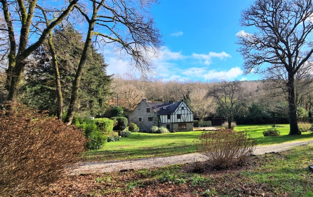 Exclusivity - 2 hours 40 minutes Paris via TGV! VANNES - GOLFE DU MORBIHAN MOULIN with lake on 3 hectares park  for sale for 832,000€ in Doubs, Franche-Comté