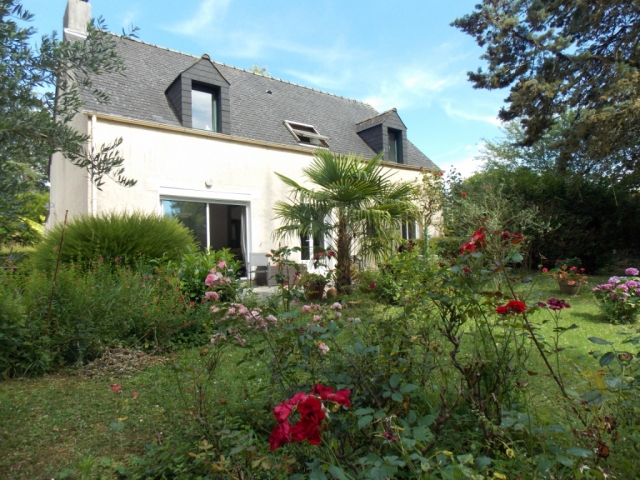 MONTGERMONT - Contemporary house for sale, quiet, 5 bedrooms, enclosed garden  for sale for 566,800€ in Ille et Villaine, Brittany