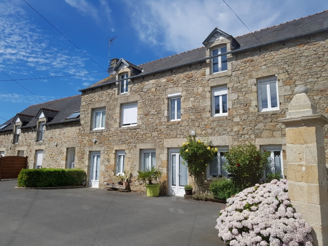 Real estate complex located between Dinan and Plancoët - Rental investment !!!  for sale for 499,200€ in Côtes-d'Armor, Brittany