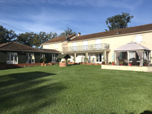 Well appointed country residence with pool complex! for sale for 556,500€ in Haute-Vienne, Limousin