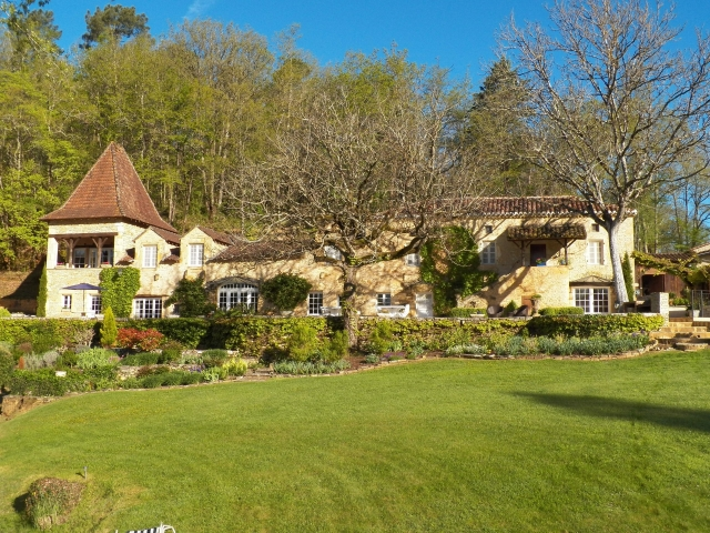 A fabulous Country House or a family run business for sale for 1,850,000€ in Lot, Midi-Pyrénées