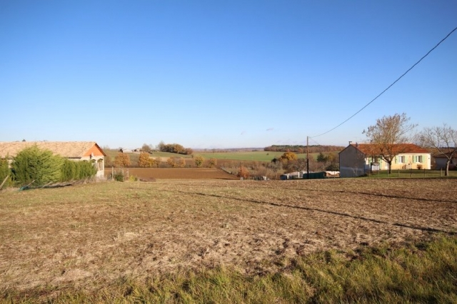 Amazing building plot with stunning views in a very quiet location for sale for 45,000€ in Dordogne, Aquitaine