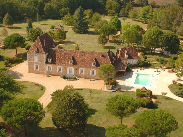 Luxurious living in the Dordogne - 20 kms from Bergerac airport for sale for 2,415,000€ in Dordogne, Aquitaine