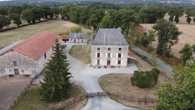 Stunning Maison de Maitre with 44 hectares land perfect property for sale for 545,000€ in Haute-Vienne, Limousin
