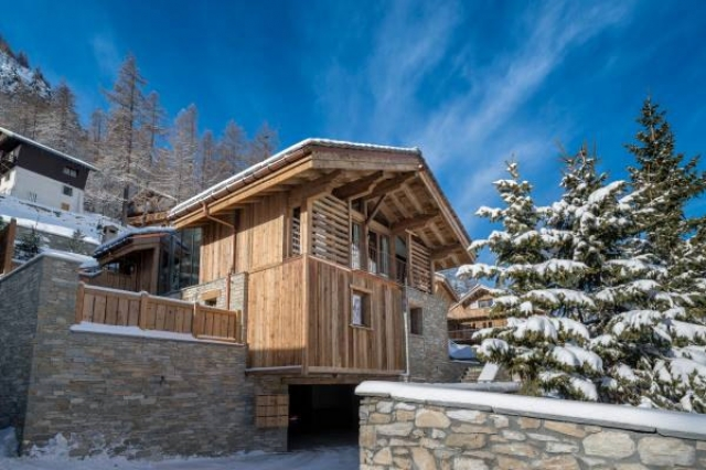 7 bedroom House - 7 bathrooms for sale in Savoie, Rhône-Alpes, France - FrenchPropertyPortal