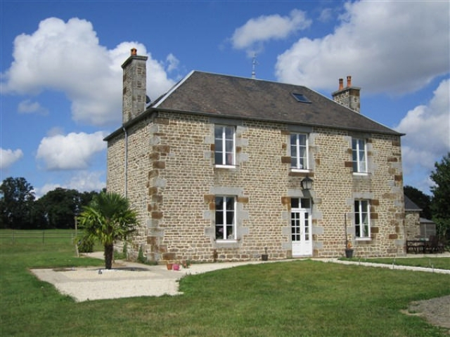 Excellent equestrian property with 15ha near Vire for sale for 397,500€ in Calvados, Normandy