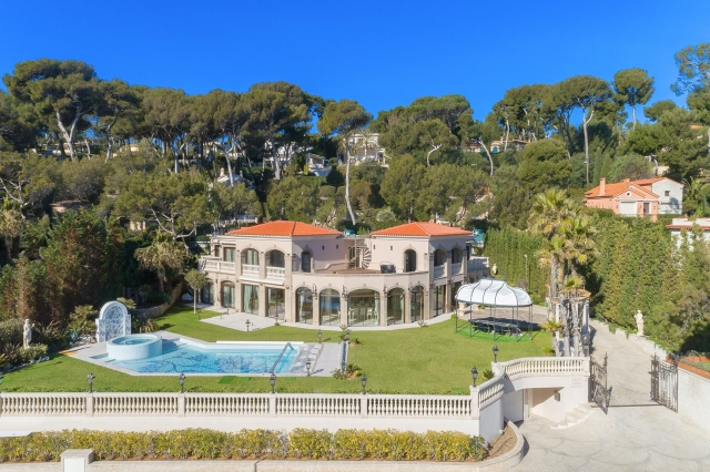 Antibes Area for sale for 28,800,000€ in Alpes-Maritimes, Provence-Alpes-Côte-d'Azur