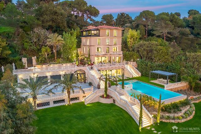 Cannes Area for sale for 25,000,000€ in Alpes-Maritimes, Provence-Alpes-Côte-d'Azur