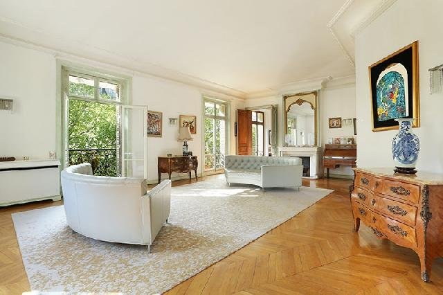 Golden Triangle - Trocadéro (8th - 16th) for sale for 4,650,000€ in Paris, Ile-de-France