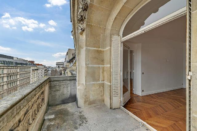 Golden Triangle - Trocadéro (8th - 16th) for sale for 5,500,000€ in Paris, Ile-de-France