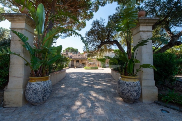 St. Tropez, Grimaud Area for sale for 28,000,000€ in Var, Provence-Alpes-Côte-d\'Azur