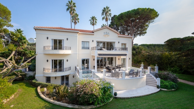 Antibes Area for sale for 29,425,000€ in Alpes-Maritimes, Provence-Alpes-Côte-d'Azur