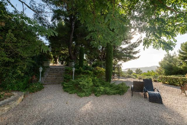 Provence Coast (Cassis to Cavalaire) for sale for 2,900,000€ in Calvados, Normandy