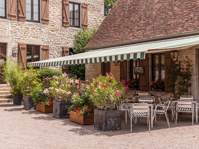 Hotel restaurant in a small village in Burgundy. for sale for 375,000€ in Nièvre, Burgundy